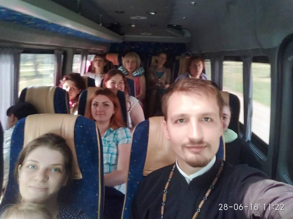 Члени Сімейного клубу Місії відвідали святині та визначні місця Поділля і Буковини